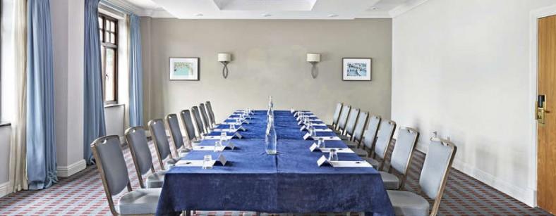 Cedar Suite Boardroom